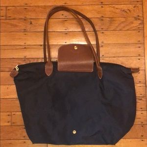 Navy Longchamp bag, medium